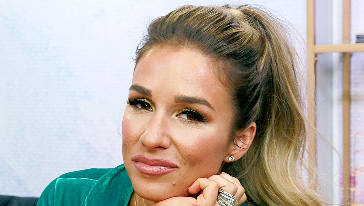 Jessie-James-Decker-Surpassed-Her-Goal-Weight